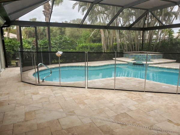 "<img src=""swimmingpool.jpg"" alt=""screen in pool with safety fence pool enclosure"">"